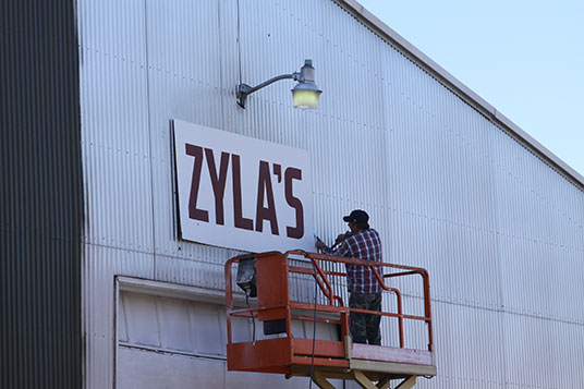 Vault Motor Storage Removes Zylas Sign